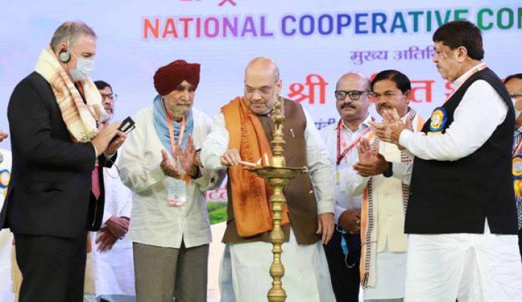 सहकारिता आंदोलन भारत के ग्रामीण समाज की प्रगति भी करेगा और एक नई सामाजिक पूंजी की अवधारणा भी खड़ी करेगा - अमित शाह